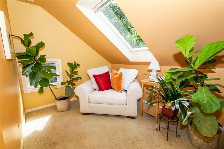 337 N Whittier Place Indianapolis, IN 46219 | MLS 21656444 | photo 27
