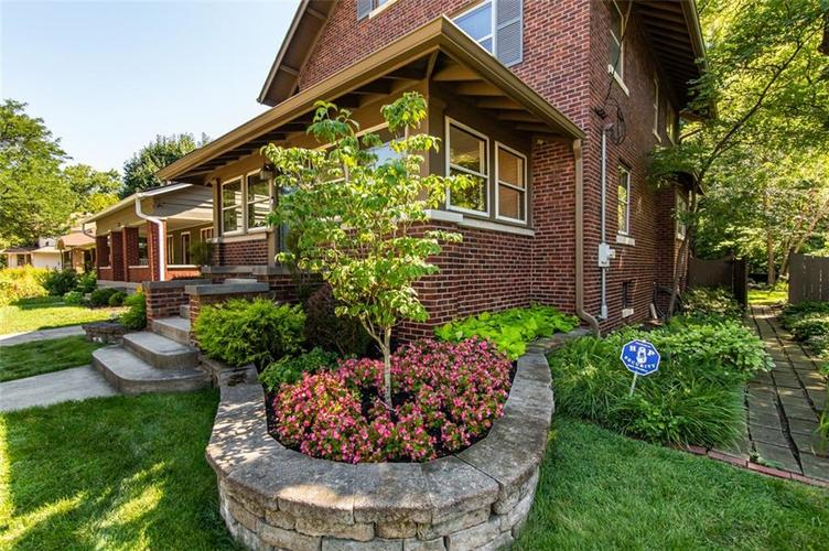 337 N Whittier Place Indianapolis, IN 46219 | MLS 21656444 | photo 3
