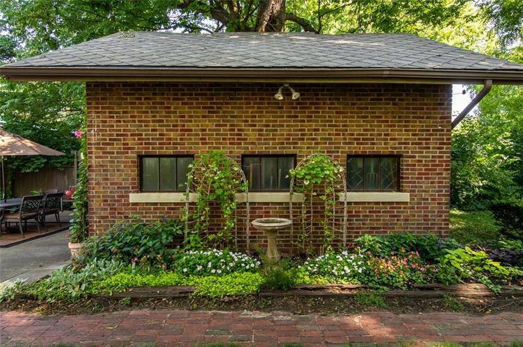 337 N Whittier Place Indianapolis, IN 46219 | MLS 21656444 | photo 42