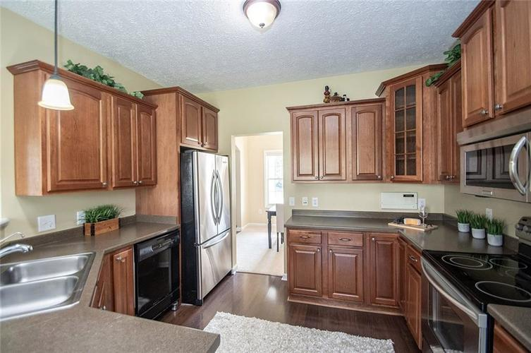 7210 HARTINGTON Place Indianapolis, IN 46259 | MLS 21656545 | photo 15