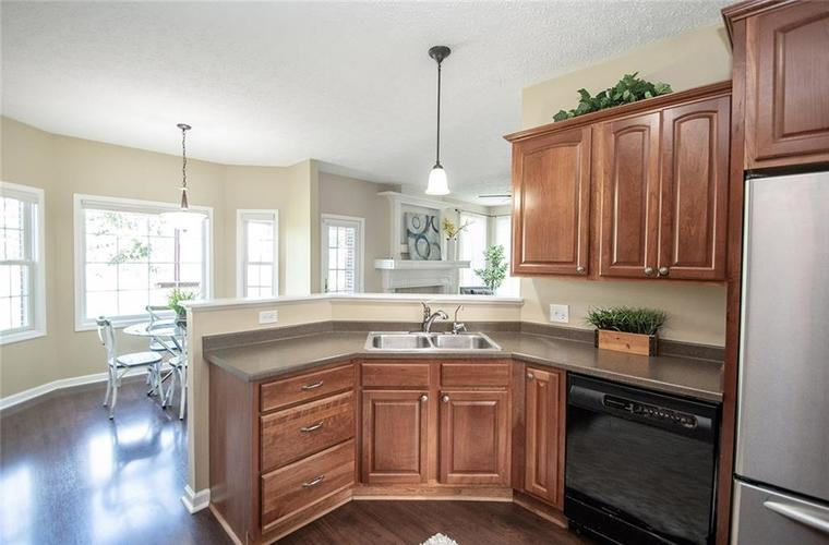 7210 HARTINGTON Place Indianapolis, IN 46259 | MLS 21656545 | photo 16