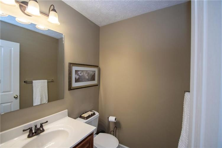 7210 HARTINGTON Place Indianapolis, IN 46259 | MLS 21656545 | photo 19