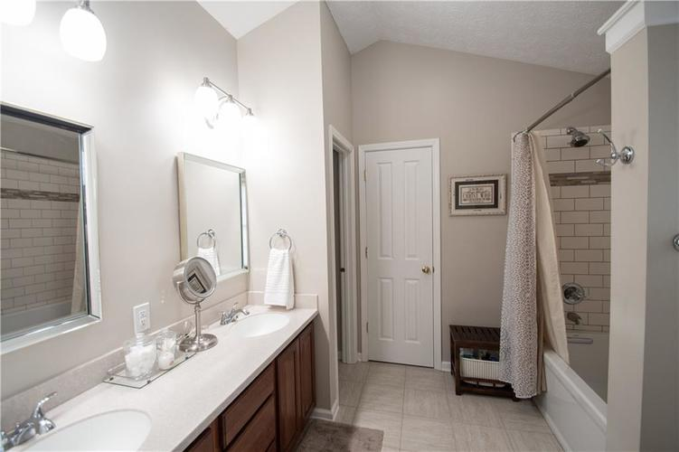 7210 HARTINGTON Place Indianapolis, IN 46259 | MLS 21656545 | photo 23