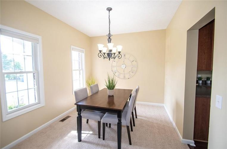 7210 HARTINGTON Place Indianapolis, IN 46259 | MLS 21656545 | photo 4