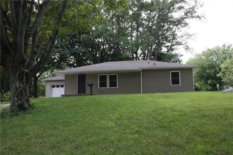 394 N Wayne Street Danville, IN 46122 | MLS 21656599 | photo 1