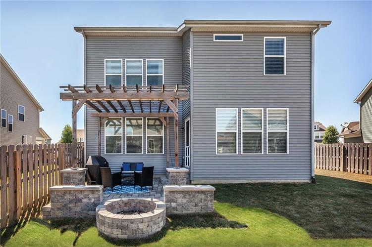 7811 Ringtail Circle Zionsville, IN 46077 | MLS 21656645 | photo 19