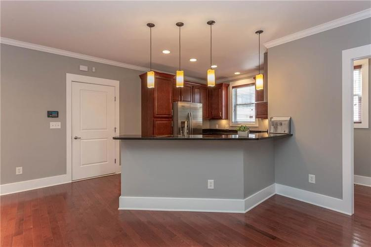 622 Broadway Place Indianapolis, IN 46202 | MLS 21656671 | photo 11