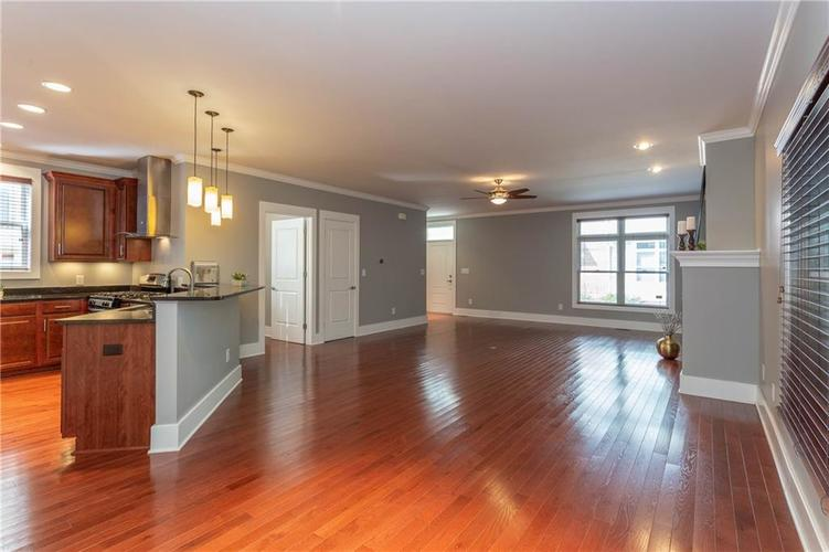 622 Broadway Place Indianapolis, IN 46202 | MLS 21656671 | photo 15