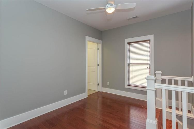 622 Broadway Place Indianapolis, IN 46202 | MLS 21656671 | photo 17
