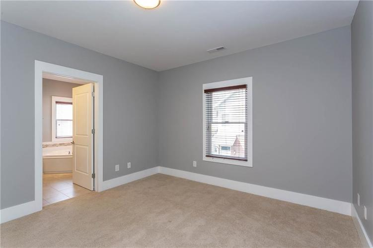 622 Broadway Place Indianapolis, IN 46202 | MLS 21656671 | photo 23
