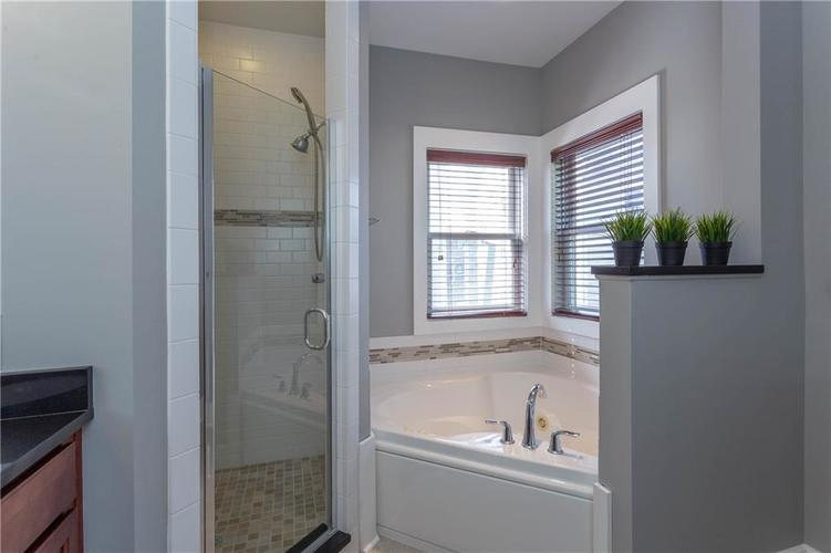 622 Broadway Place Indianapolis, IN 46202 | MLS 21656671 | photo 25