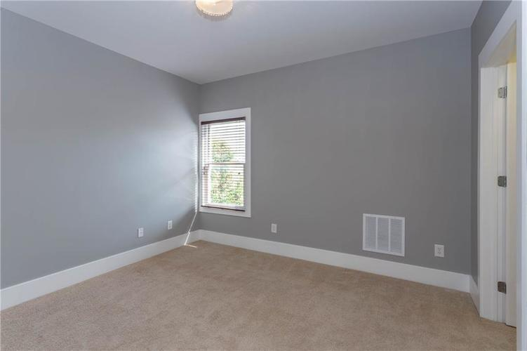 622 Broadway Place Indianapolis, IN 46202 | MLS 21656671 | photo 28