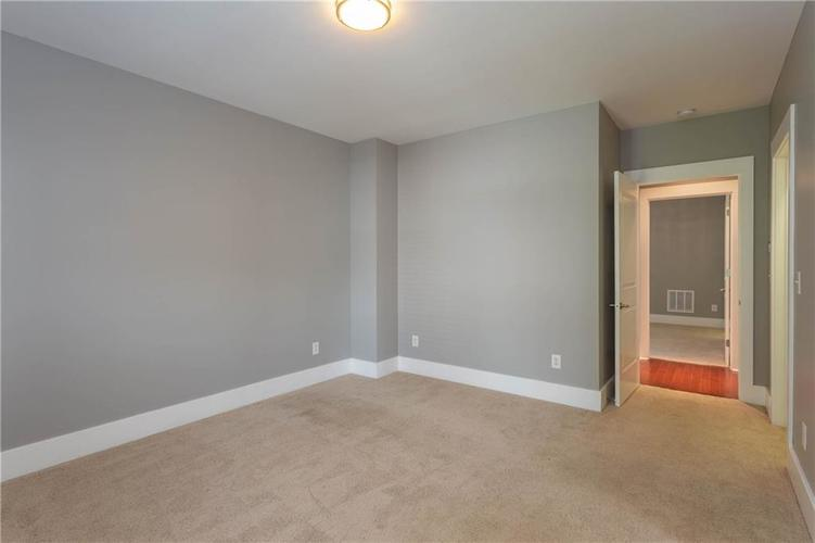 622 Broadway Place Indianapolis, IN 46202 | MLS 21656671 | photo 29
