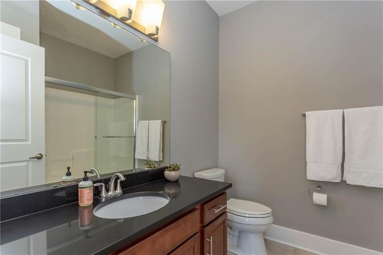 622 Broadway Place Indianapolis, IN 46202 | MLS 21656671 | photo 33