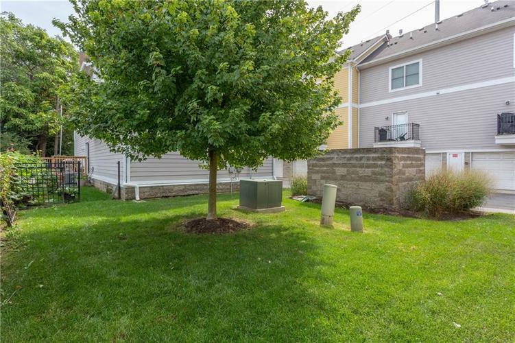 622 Broadway Place Indianapolis, IN 46202 | MLS 21656671 | photo 39