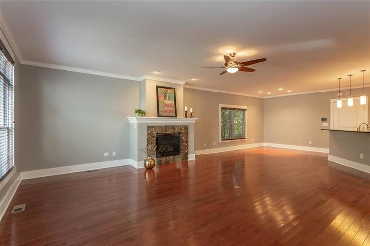 622 Broadway Place Indianapolis, IN 46202 | MLS 21656671 | photo 5