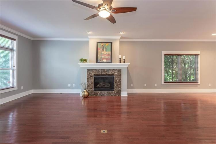 622 Broadway Place Indianapolis, IN 46202 | MLS 21656671 | photo 6