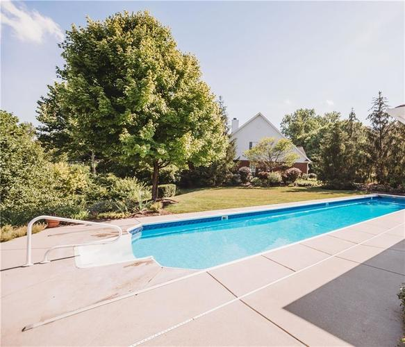 6419 Oxbow Way Indianapolis, IN 46220 | MLS 21656742 | photo 2