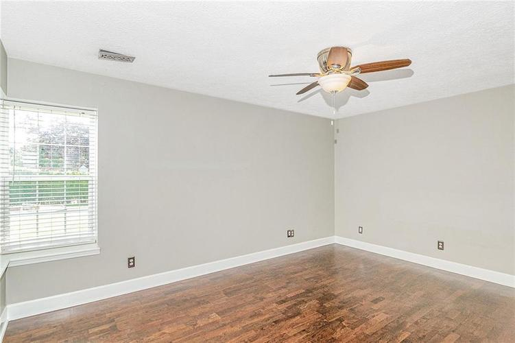 9246 Homeside Drive Indianapolis, IN 46250   MLS 21656771   photo 14