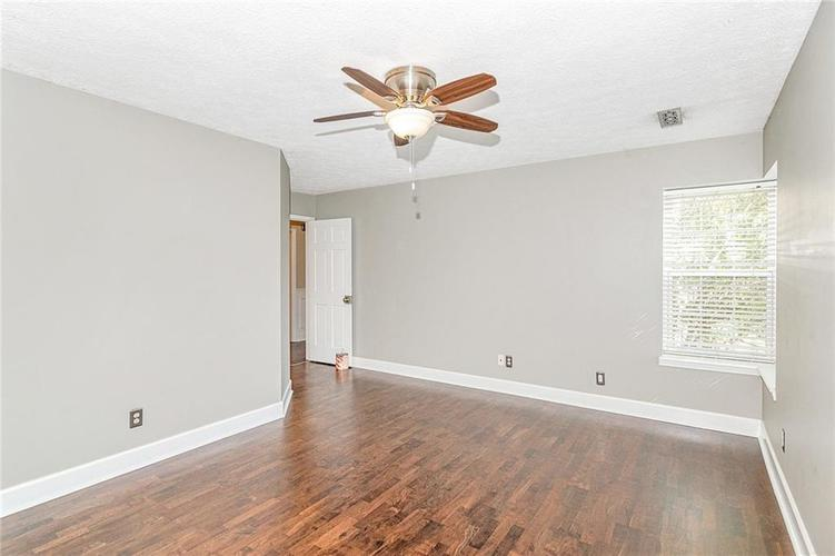 9246 Homeside Drive Indianapolis, IN 46250   MLS 21656771   photo 15