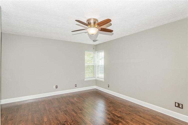 9246 Homeside Drive Indianapolis, IN 46250   MLS 21656771   photo 16