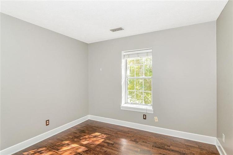 9246 Homeside Drive Indianapolis, IN 46250   MLS 21656771   photo 22