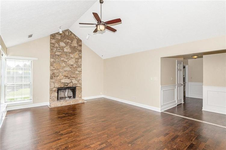 9246 Homeside Drive Indianapolis, IN 46250   MLS 21656771   photo 4