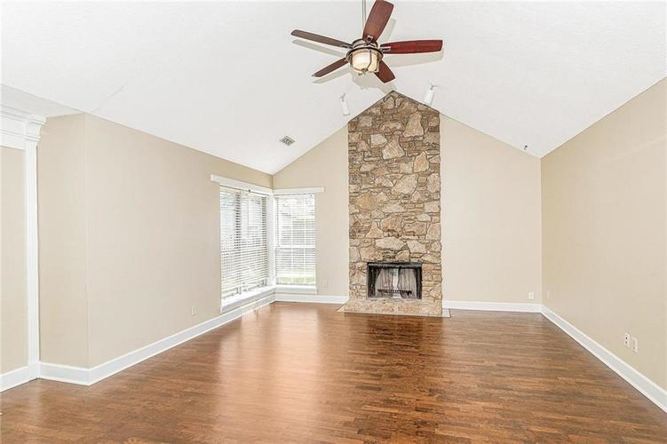 9246 Homeside Drive Indianapolis, IN 46250   MLS 21656771   photo 5