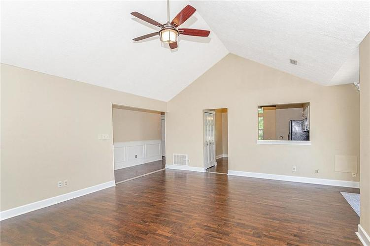 9246 Homeside Drive Indianapolis, IN 46250   MLS 21656771   photo 8