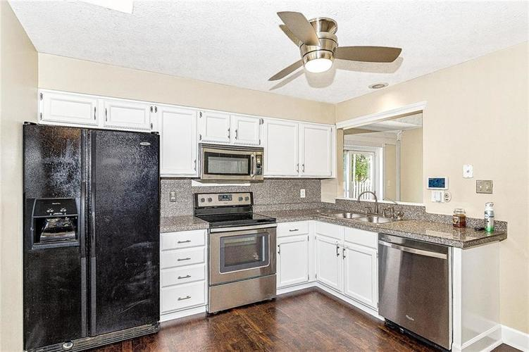 9246 Homeside Drive Indianapolis, IN 46250   MLS 21656771   photo 9