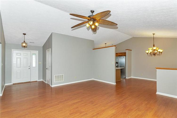 13015 Teesdale Court Fishers, IN 46038 | MLS 21657800 | photo 7