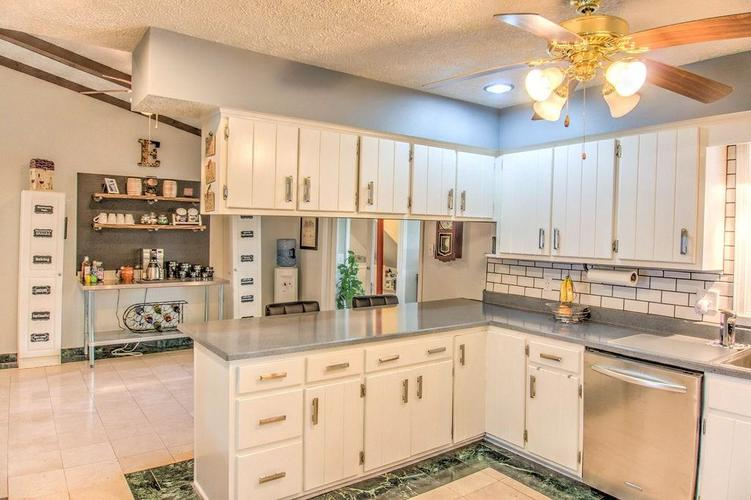 9188 W COUNTY LINE Road Camby, IN 46113 | MLS 21657827 | photo 8