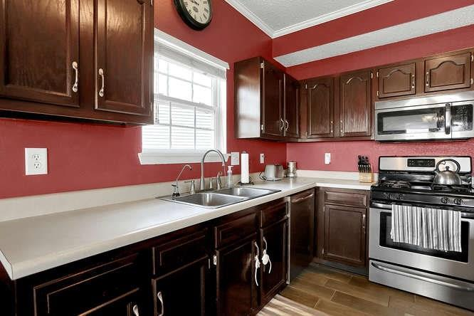 8101 WHITHAM Drive Indianapolis, IN 46237 | MLS 21657929 | photo 15