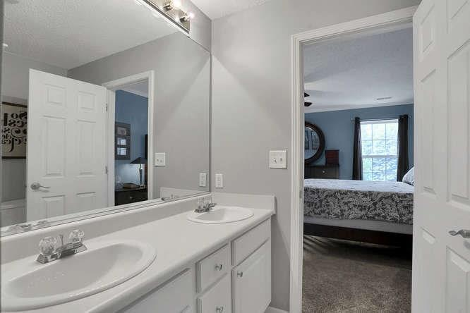 8101 WHITHAM Drive Indianapolis, IN 46237 | MLS 21657929 | photo 32