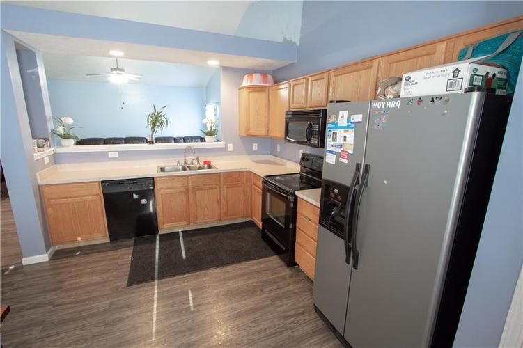 7054 BLANKENSHIP Avenue Indianapolis, IN 46217 | MLS 21658023 | photo 10