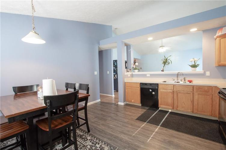 7054 BLANKENSHIP Avenue Indianapolis, IN 46217 | MLS 21658023 | photo 15