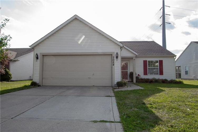 7054 BLANKENSHIP Avenue Indianapolis, IN 46217 | MLS 21658023 | photo 2