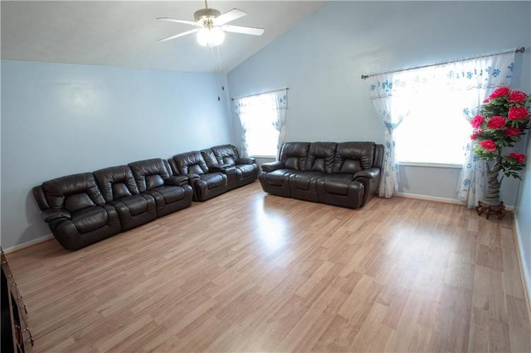 7054 BLANKENSHIP Avenue Indianapolis, IN 46217 | MLS 21658023 | photo 20