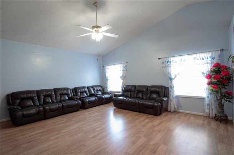7054 BLANKENSHIP Avenue Indianapolis, IN 46217 | MLS 21658023 | photo 21