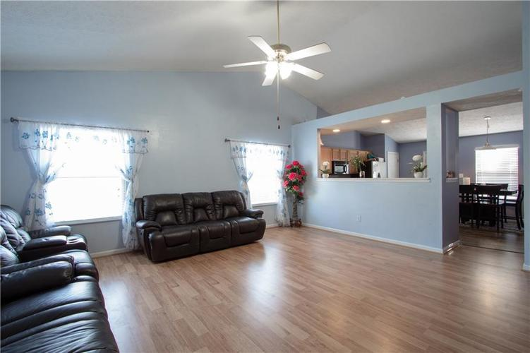 7054 BLANKENSHIP Avenue Indianapolis, IN 46217 | MLS 21658023 | photo 22