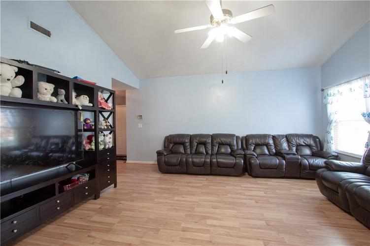 7054 BLANKENSHIP Avenue Indianapolis, IN 46217 | MLS 21658023 | photo 23