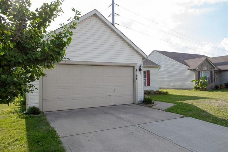 7054 BLANKENSHIP Avenue Indianapolis, IN 46217 | MLS 21658023 | photo 4