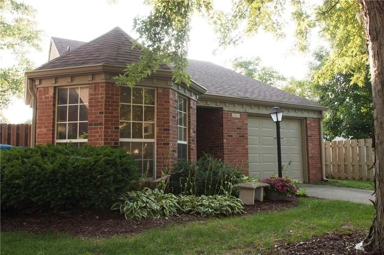6561 Discovery Drive S Indianapolis, IN 46250 | MLS 21658093 | photo 3