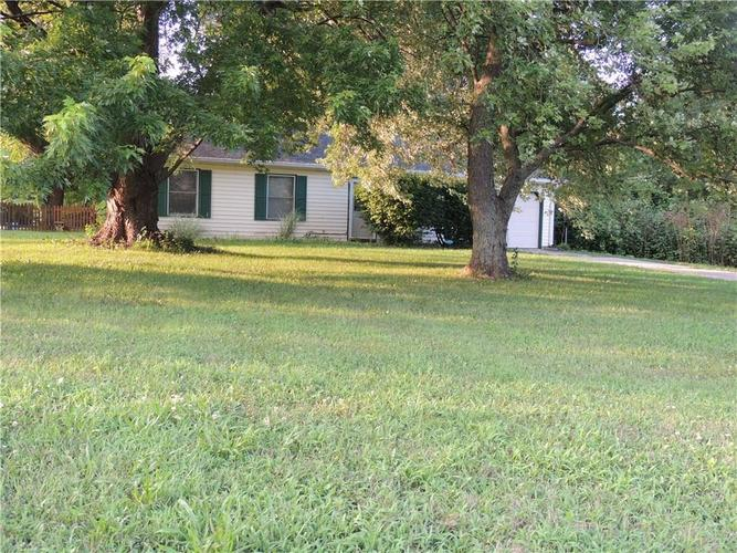 1060 W Stop 11 Road Indianapolis, IN 46217 | MLS 21658108