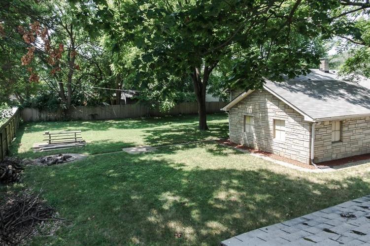 1617 E 52nd Street Indianapolis, IN 46205 | MLS 21658115 | photo 2
