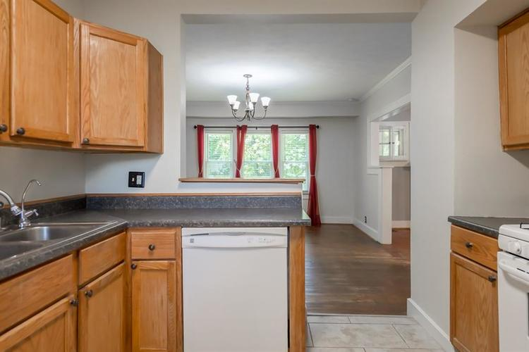1617 E 52nd Street Indianapolis, IN 46205 | MLS 21658115 | photo 21