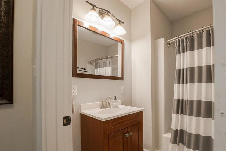 1617 E 52nd Street Indianapolis, IN 46205 | MLS 21658115 | photo 23