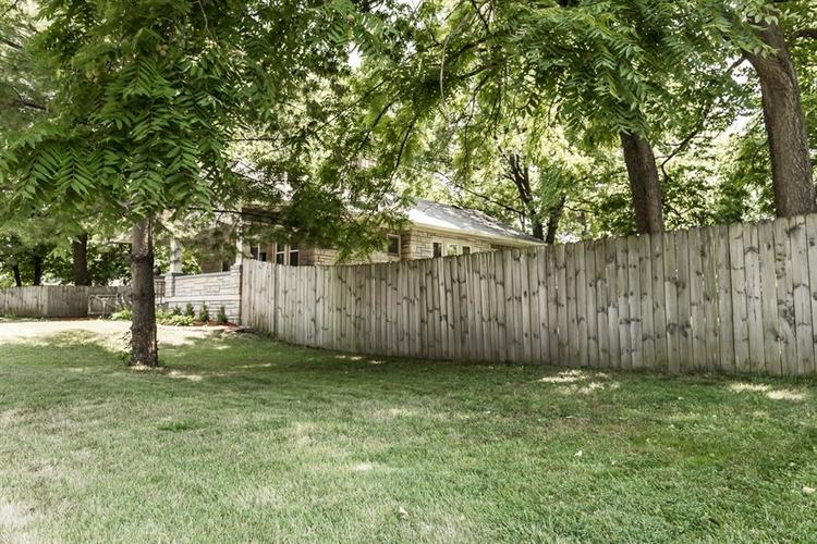 1617 E 52nd Street Indianapolis, IN 46205 | MLS 21658115 | photo 6
