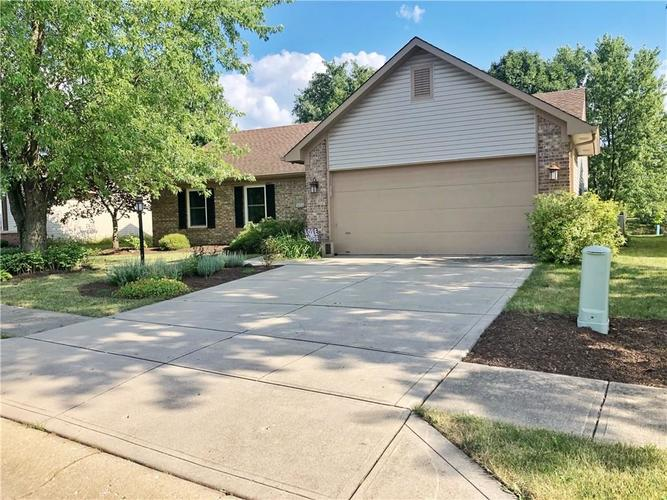 501 E PINE RIDGE Drive Westfield, IN 46074 | MLS 21658194