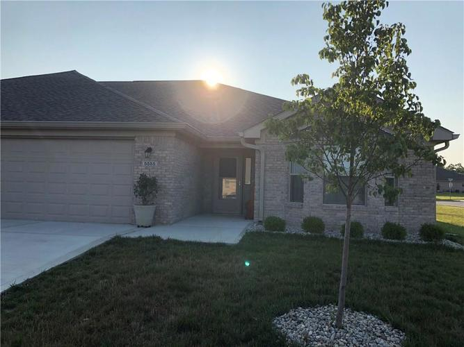 5555 Coventry Park Way Indianapolis, IN 46237 | MLS 21658200 | photo 1